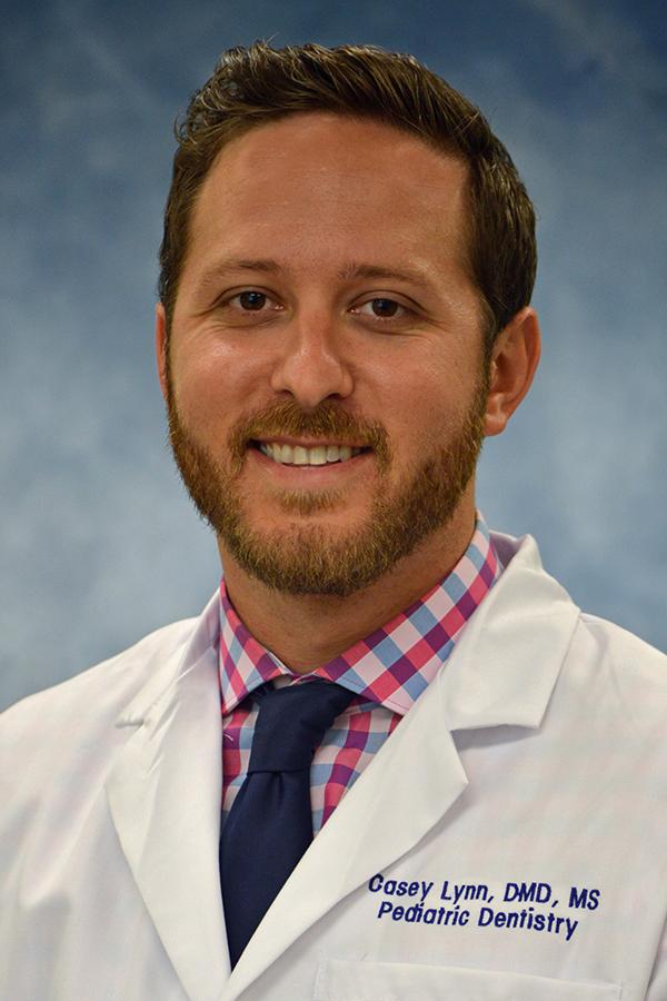 Two UFCD Pediatric Residents Earn AAPD Richard C  Pugh Award