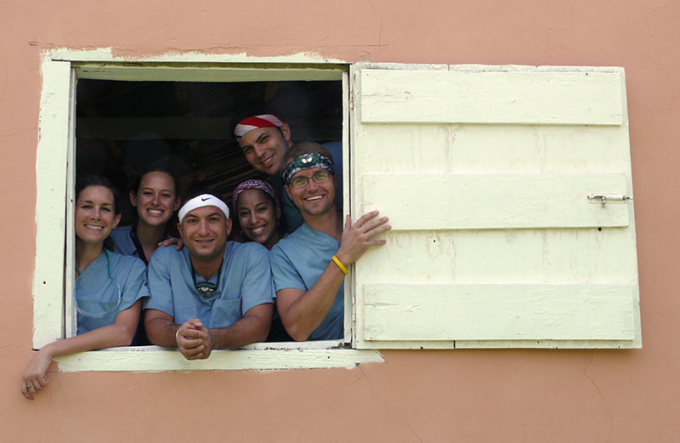 College of Dentistry students on a service trip to the Dominican Republic